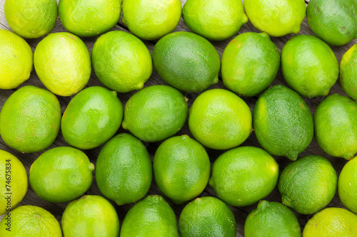 Canvas-taulu Fresh ripe limes