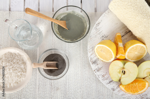 Fotografia  Homemade facial masks with natural ingredients,
