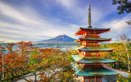 Foto op Plexiglas Japan Mt. Fuji with Chureito Pagoda at sunrise, Fujiyoshida, Japan