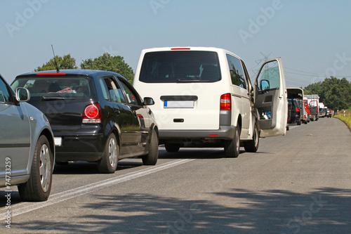 Foto op Plexiglas Motorsport Transporter im Autobahnstau