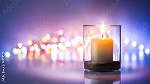 Fotografia Romantic night with candlelight and bokeh background