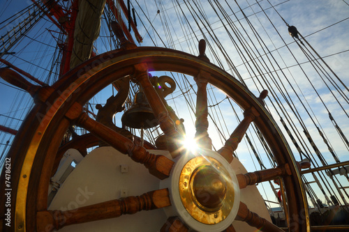 Foto op Plexiglas Schip old wheel and rigging