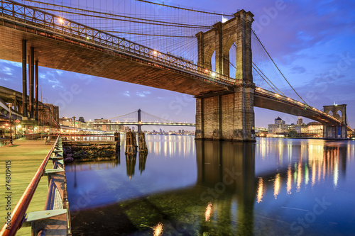 Foto auf Gartenposter Brooklyn Bridge Brooklyn Bridge in New York City