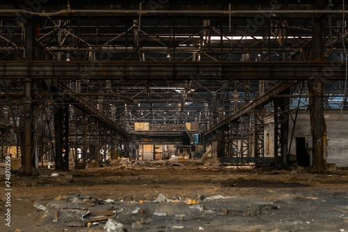 Poster Old abandoned buildings Large empty hall with concrete walls