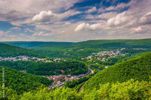 Poster de jardin Vieux rose View of Jim Thorpe from Flagstaff Mountain, Pennsylvania.