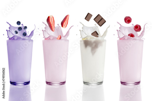 Photo sur Toile Lait, Milk-shake Studio, Glas, Milchshake Variationen, Blaubeere