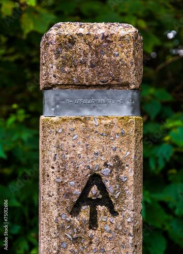 Trail marker for the Appalachian Trail in Shenandoah National Pa Fototapete