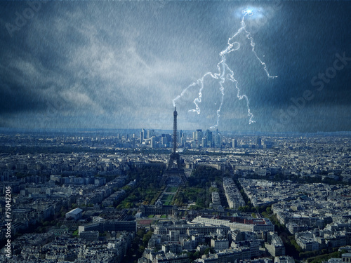 Obraz Eiffelturm mit Blitz - fototapety do salonu