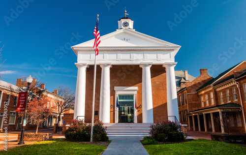 Photo The Courthouse in Winchester, Virginia.