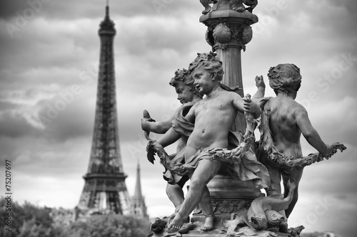 Aluminium Prints Paris Paris France Eiffel Tower with Statues of Cherubs