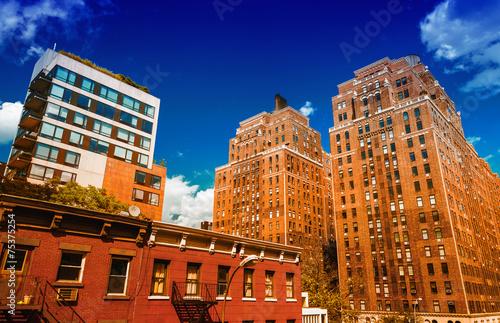 Fotografia  Stunning summer view of Manhattan Buildings from High Line Park.