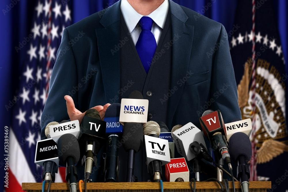 Fototapety, obrazy: Politician at Press Conference