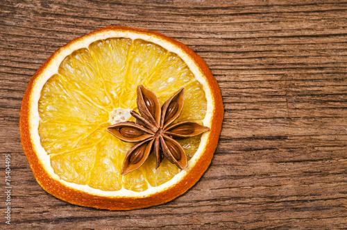 Photo  anice stellato con arancia