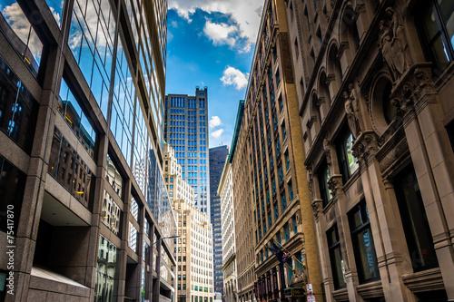 Valokuva  Buildings along Devonshire Street in Boston, Massachusetts.