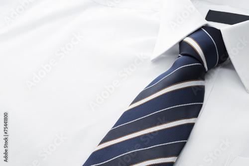 Valokuvatapetti ワイシャツとネクタイのクローズアップ