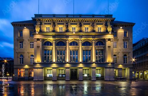 Foto  Historic building at BUndesplatz in Bern