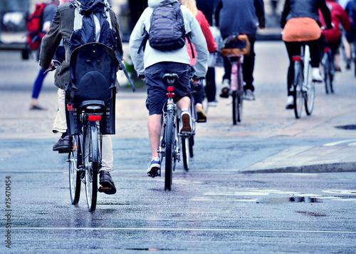 Foto op Aluminium Fietsen Bike crowd on their way home