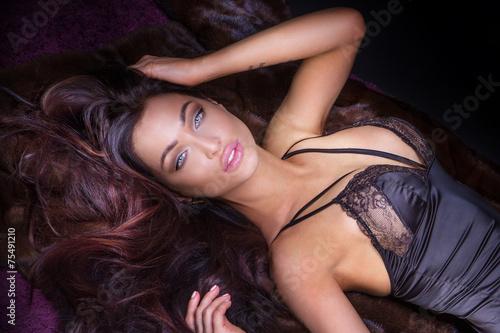 Obraz Sensual brunette woman posing in lingerie. - fototapety do salonu