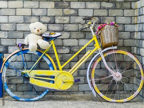 fantazyjny-rower-z-lalka-slodkiego-misia
