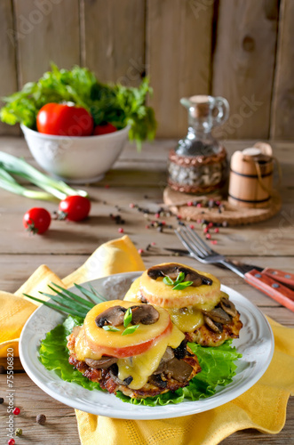 Chicken breast with mushrooms and cheese