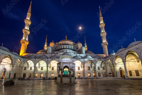 Photo  Blue Mosque at night, Istanbul, Turkey