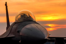 F16 Falcon Fighter Jet On Suns...