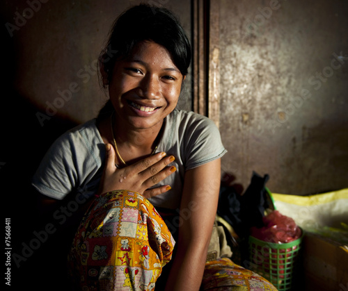 Teenaged Girl Smiling Sitting Happiness Alone Concept Fototapete
