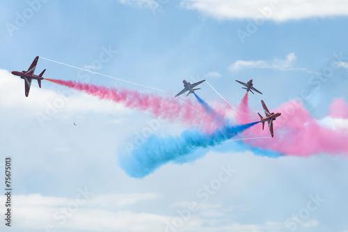 Obraz na płótnie Royal Air Force Red arrows - air show In Estonia Tallinn 2014 ye