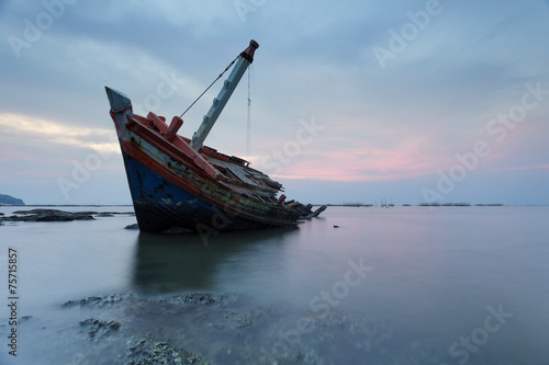 Photo Stands Shipwreck The wrecked ship , Thailand