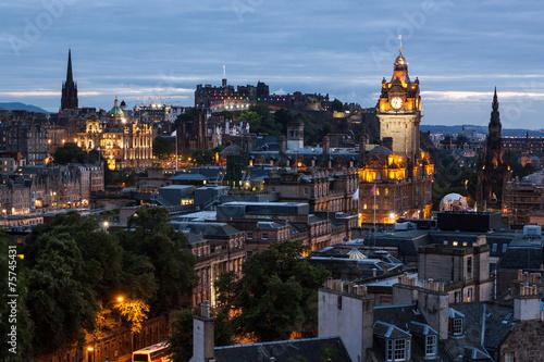 Poster Amsterdam Edinburgh Skyline from Calton Hill at dusk, Scotland, UK