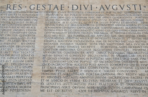 Photo  Res Gestae dell'imperatore Augusto