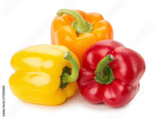 Fotografía yellow, orange and red peppers isolated on the white background