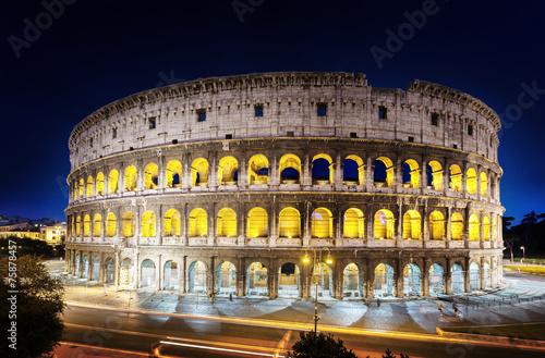fototapeta na szkło Koloseum w nocy, Rzym, Włochy
