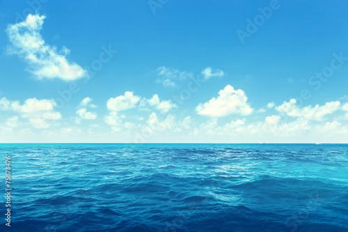 Foto auf Gartenposter Wasser perfect sky and ocean