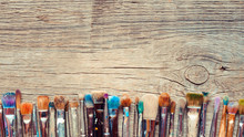 Row Of Artist Paintbrushes Clo...