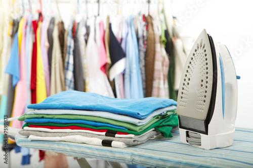 Fotografie, Obraz Electric iron and shirt