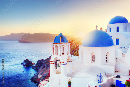 Papiers peints Santorini Oia town on Santorini Greece at sunset. Aegean sea