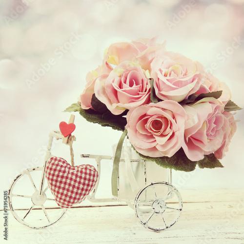 Foto-Plissee -  roses in a glass vase in vintage style (von Alina G)