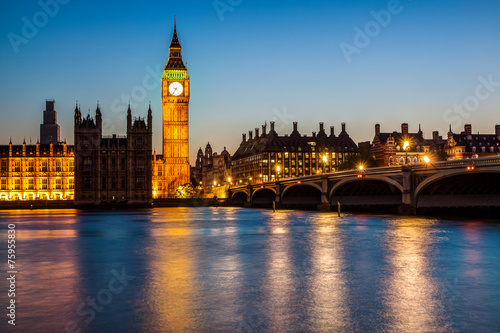 Photographie  London at night: Houses of Parliament and Big Ben