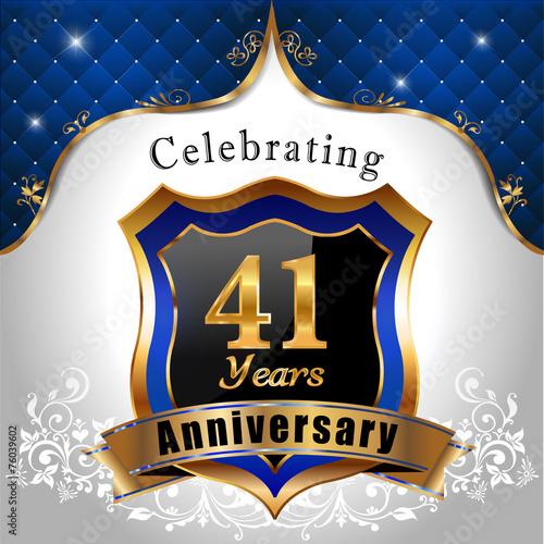 Fotografia  celebrating 41 years anniversary, Golden shield royal emblem
