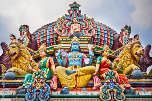 fototapeta na lodówkę Szczegóły Kolorowe Świątynia Sri Mariamman w Singapurze