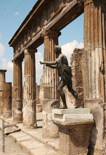 Garden Poster Napels Statue Of Apollo In The Ruins Of Pompei, Italy