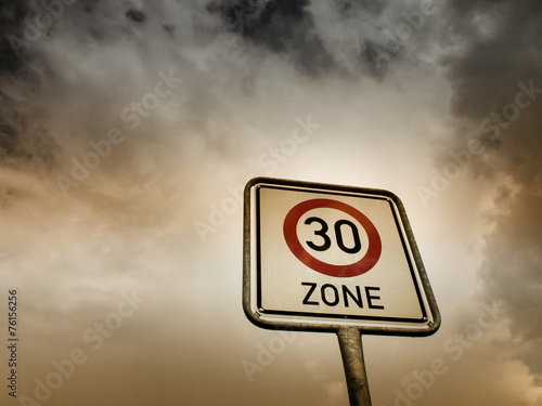Fotografía  30 zone sign  (4), speed limit