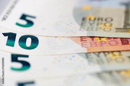 Fotografía  The macro european money in the bills