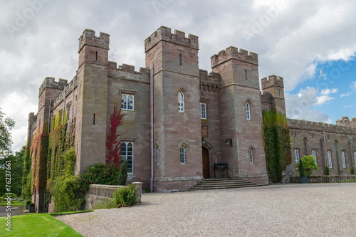 Photo sur Toile Con. Antique Scone Palace Exterior