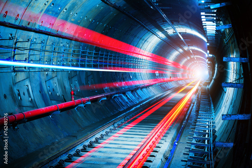Foto op Canvas Tunnel Subway Tunnel