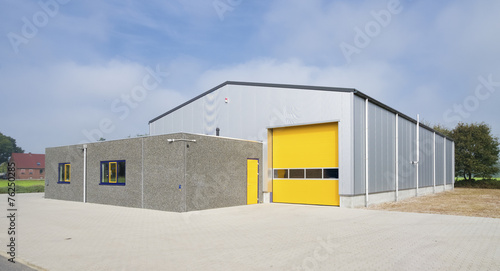 Staande foto Industrial geb. industrial warehouse