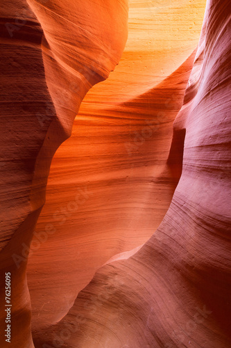 Keuken foto achterwand Rood paars Sandstone waves and colors inside iconic Antelope Canyon