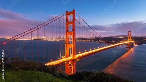 Spoed Foto op Canvas Groen blauw Golden Gate Bridge at Sunset