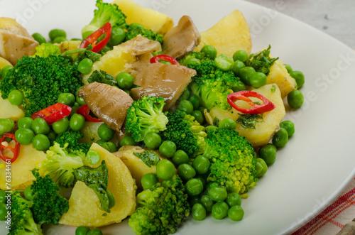 Spoed Fotobehang Eten Healthy sping salad with Super Greens